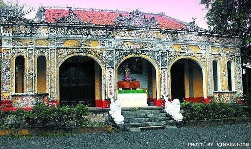 Buu Phong Temple